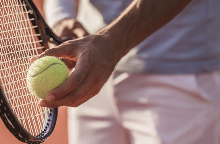 Various Kinds of Blow Techniques in Tennis Field